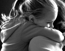 Tetë shenja të padiskutueshme që ju jeni një nënë e shkelqyer, edhe pse ndjeheni ndryshe