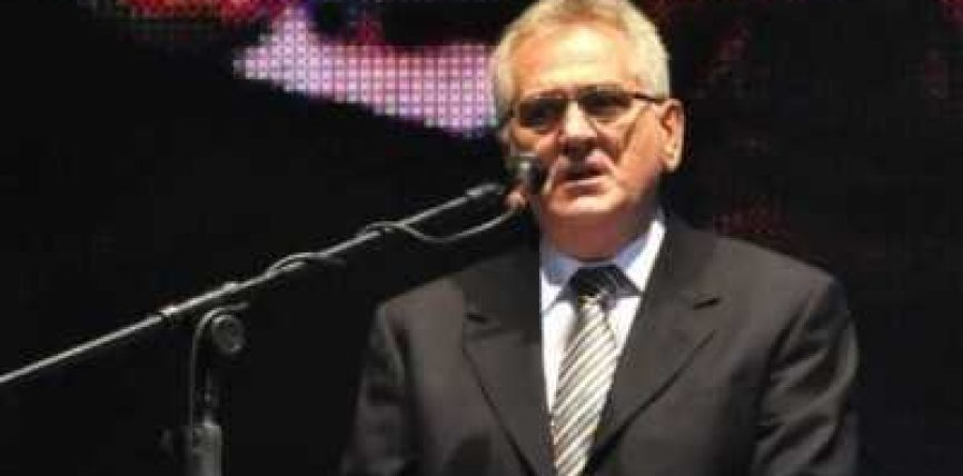 Nikolliq kërkon falje për krimet në Bosnjë