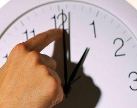 Çfarë na sjell ndryshimi i orës: nervoza, çrregullime,huti….