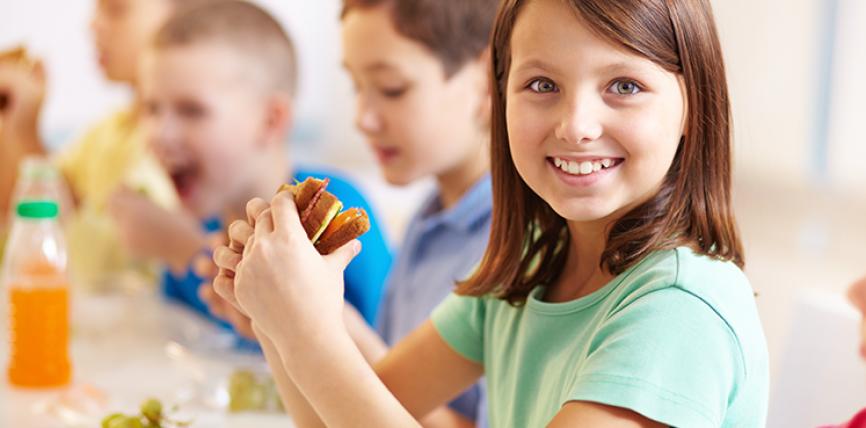 Katër arsye se përse duhet ta përtypni mirë ushqimin