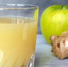Molla, xhinxheri dhe limoni bëjnë pastruesin numër 1 të zorrës së trashë! Pasi të pini këtë toksinat do ju zhduken nga trupi