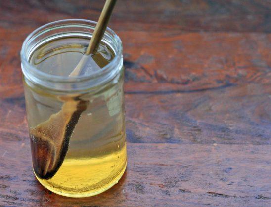 Cfarë përfiton shëndeti i juaj nga uji dhe mjalti