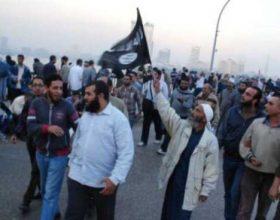 Ja si u masakruan protestuesit në Egjiptë, – Video
