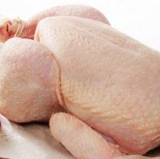Këshilla nga ekspertët: Si ta dalloni nëse është i freskët apo jo, mishi i pulës