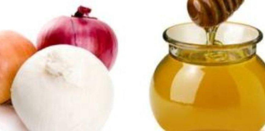 Lëngu i qepës dhe mjalti, më efektivë se penicilina
