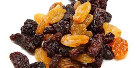 Ngrënia e rrushit të thatë rrit të mbajturit në mend