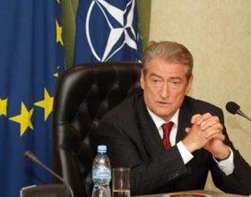Berisha kërcënon Ramën: Mos provoko shqiptarët me Enver Hoxhën