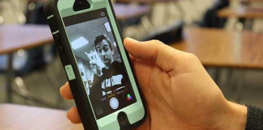 """""""Selfiet"""" ndërlidhen me narcizëm, me varësi dhe sëmundje mendore"""