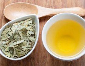 Sena nëse përzihet me vaj ulliri dhe pihet,ajo i nxjerr materialet e pavlera