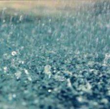 Duaja fjalet që duhet të themi kur bie shi!