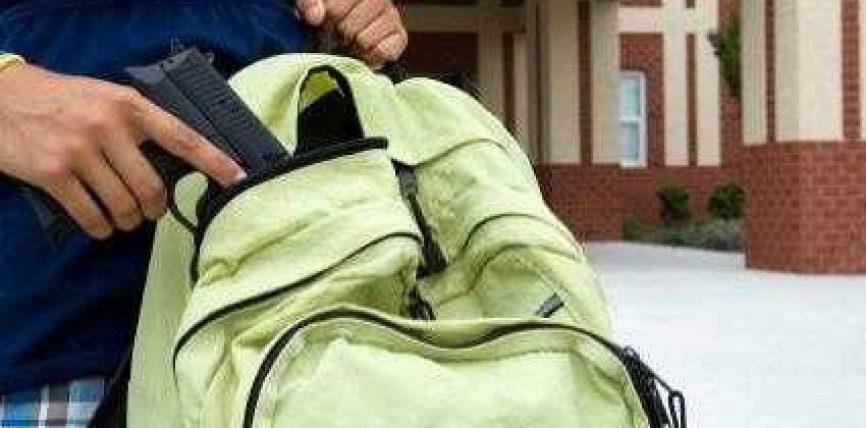 Durrës, nxënësi vritet brenda në klasë