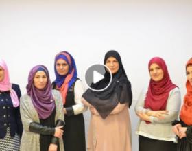 Gratë me shami në Shqipëri tregojnë çfarë do të thotë për to mbulesa (Video)