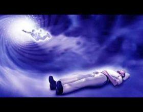 Çdo natë shpirti ynë del nga trupi