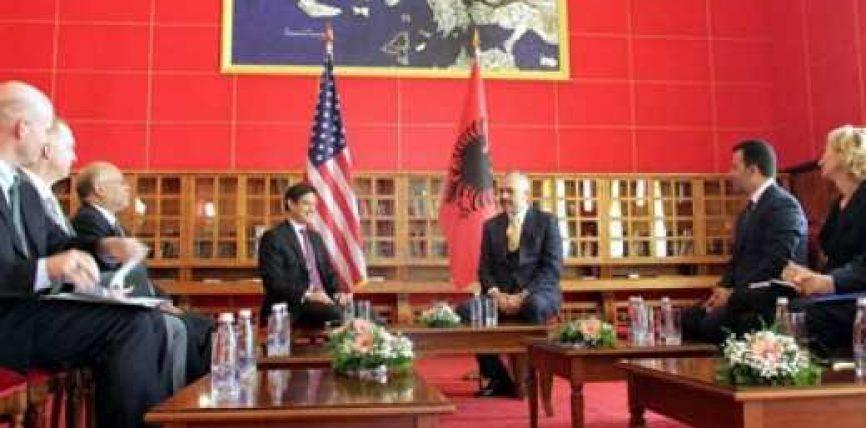 Shqipëria do të vazhdojë aleancën në krah të SHBA-ve
