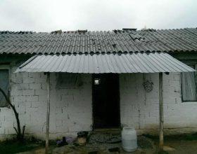 Veterani i UÇK-së jetonte në kushte të rënda, bamirësit e bëjnë me shtëpi të re