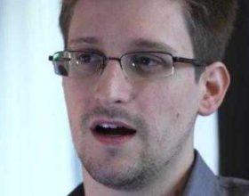 Snowdenit i ofrohet punë në Rusi