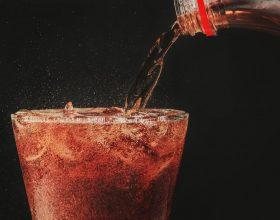 Pse nuk duhet te pini Soda?