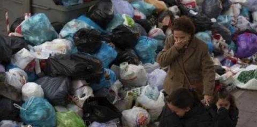 Spanjë, kryeqyteti vazhdon të vlojë nga mbeturinat