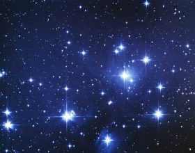 Gratë Janë Sikur Yjet Në Qiell