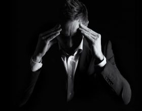 O Allah kerkoj mbrojtje tek Ti nga stresi dhe merzia