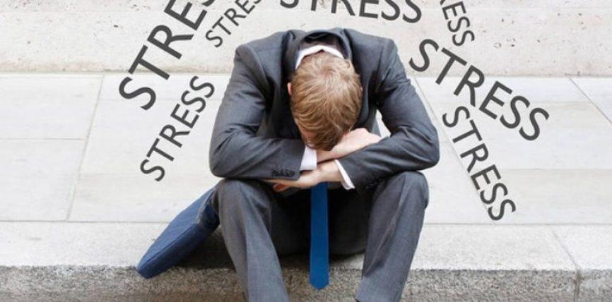 Këto janë shenjat që ju tregojnë se jeni i stresuar sa s'duhet