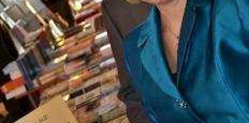 Teuta Arifi na jep mesazhin për të lexuar libra fetar