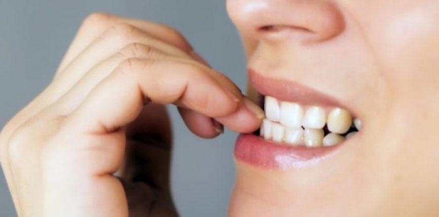 Ja si ndikon ngrënia e thonjve në shëndet