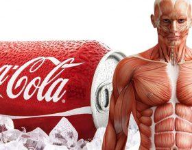 Ja ç'ndodh në trupin tone një orë pasi të pimë Coca-Cola ??