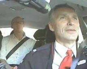 Kryeministri maskohet si taksist për të mësuar opinionin mbi qeverinë