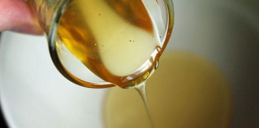 Ujë me mjaltë – Ja çfarë përfiton shëndeti juaj