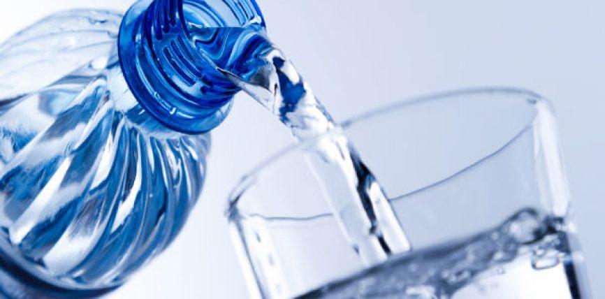Arsyet që nuk i keni ditur pse duhet ta konsumoni ujin