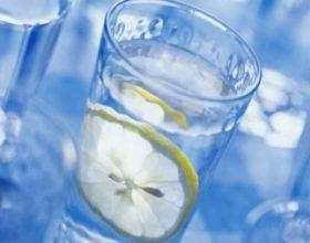 Konsumoni uje – natyral !