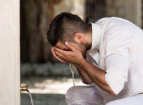 Uji i Zemzemit shërben për arsyen e pirjes së tij
