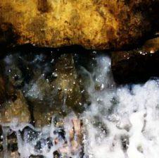 Uji më i mire në sipërfaqen e tokës është uji i Zemzemit