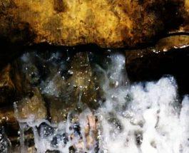 Uji i zemzemit në trajtimin e dijetarëve