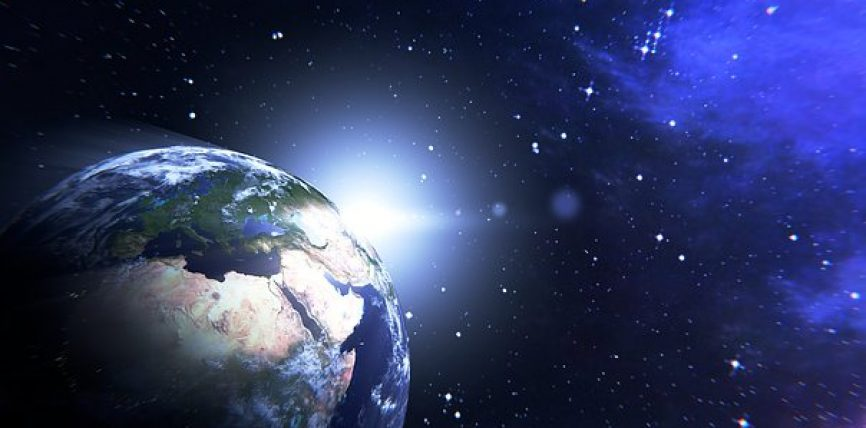 Mes qiellit të kësaj dynjaje dhe qiellit që vjen pas tij, janë pesëqind vite