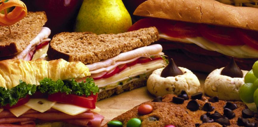Vërtet, shejtanit i lejohet të hajë në ushqim nëse në të nuk është përmendur emri i Allahut