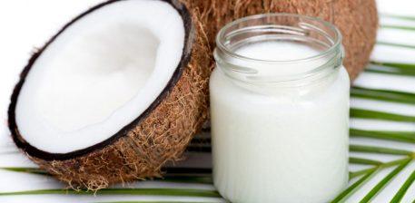 10 Mënyra si ta përdorim vajin e kokosit këtë verë!