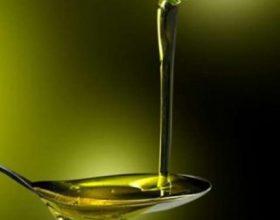 Shkencëtarët gjejnë ilaçin që na duhet të gjithëve, me 4 lugë vaj ulliri çdo ditë