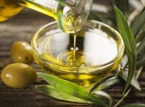 Rigjenerues për flokë nga vaji i ullirit