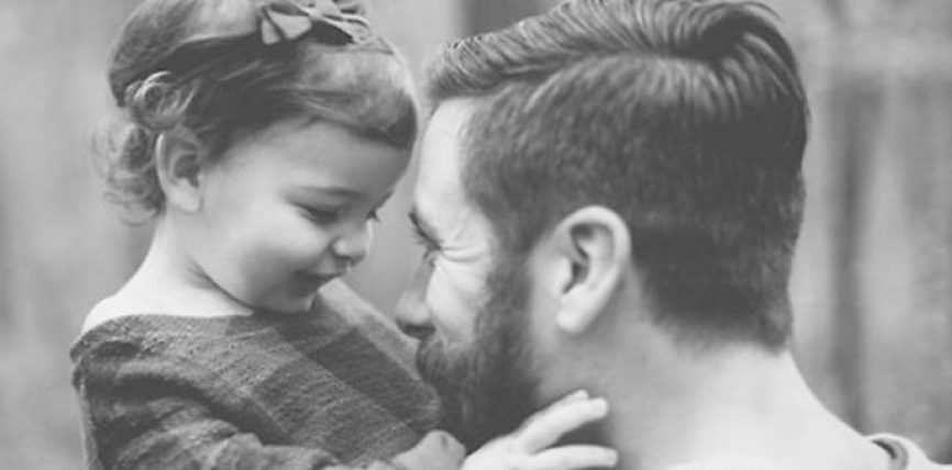 5 faktet që shkencëtarët kanë zbuluar për rolin e babait në jetën e vajzës