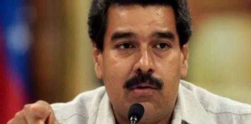 Venezuela dëbon tre diplomatë amerikanë