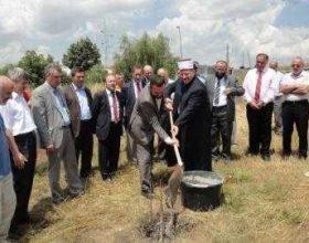 Qeveria ia merr lejen e ndërtimit xhamisë në Veternik