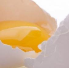 Hani një vezë në ditë dhe i thoni lamtumirë këtyre sëmundjeve …