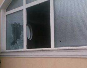 Huliganët maqedonas demolojnë një Xhami në Shkup – Foto