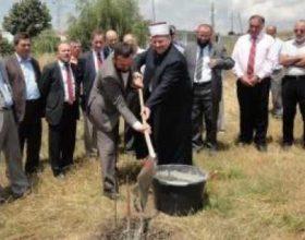 Familja e deputetit të PDK-së Shaip Mujës nuk lejoi ndërtimin e xhamisë
