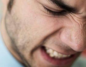 Shtatë shenjat kur dikush është xheloz për ju dhe si ta shmangni këtë