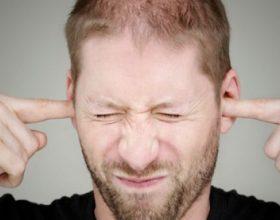 Si të trajtoni në mënyrë natyrale zhurmat dhe fishkëllimat në vesh