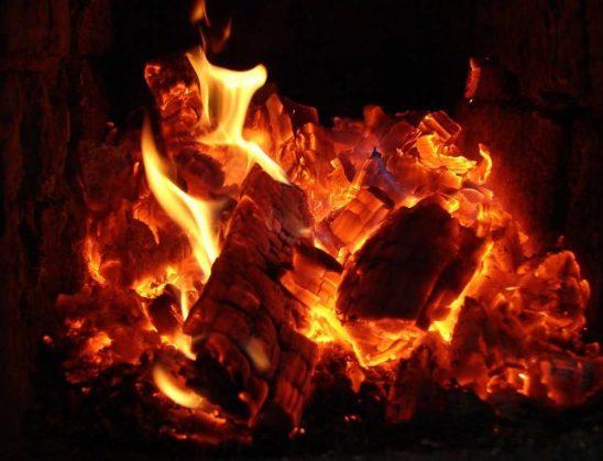Shuarja e zjarrit me ndihmën e lutjeve